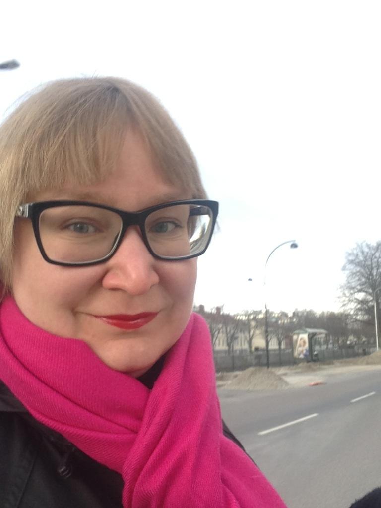 lång interracial rött hår i Gävle